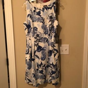 Vince Camuto Women's Dress Blue/white. Size 12